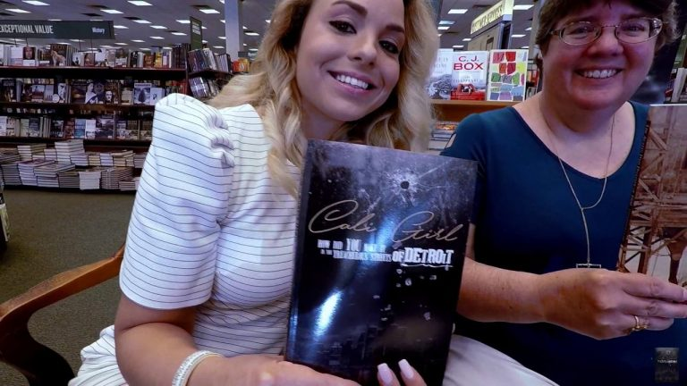 Author Cali Fae ~ Barnes and Noble Book Signing in Austin Texas.